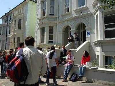 เรียนต่ออังกฤษ LSI Brighton